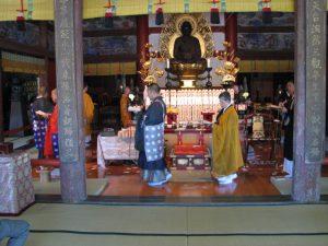 テレビ朝日「モーニングショー」にて、長福寿寺の人形供養が紹介されました。