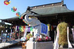 (供養料のご案内) 長福寿寺の真心こめた《人形供養》