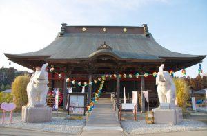 長福寿寺の人形供養は丁寧さが有名 多くのメディアも注目